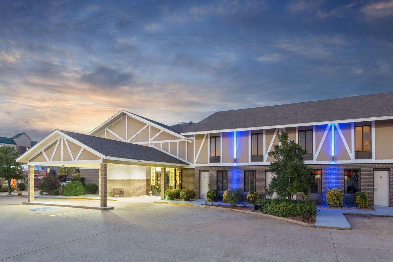 Super 8 By Wyndham Bentonville 51 6 0 Updated 2018 Room Prices Motel Reviews Ar Tripadvisor