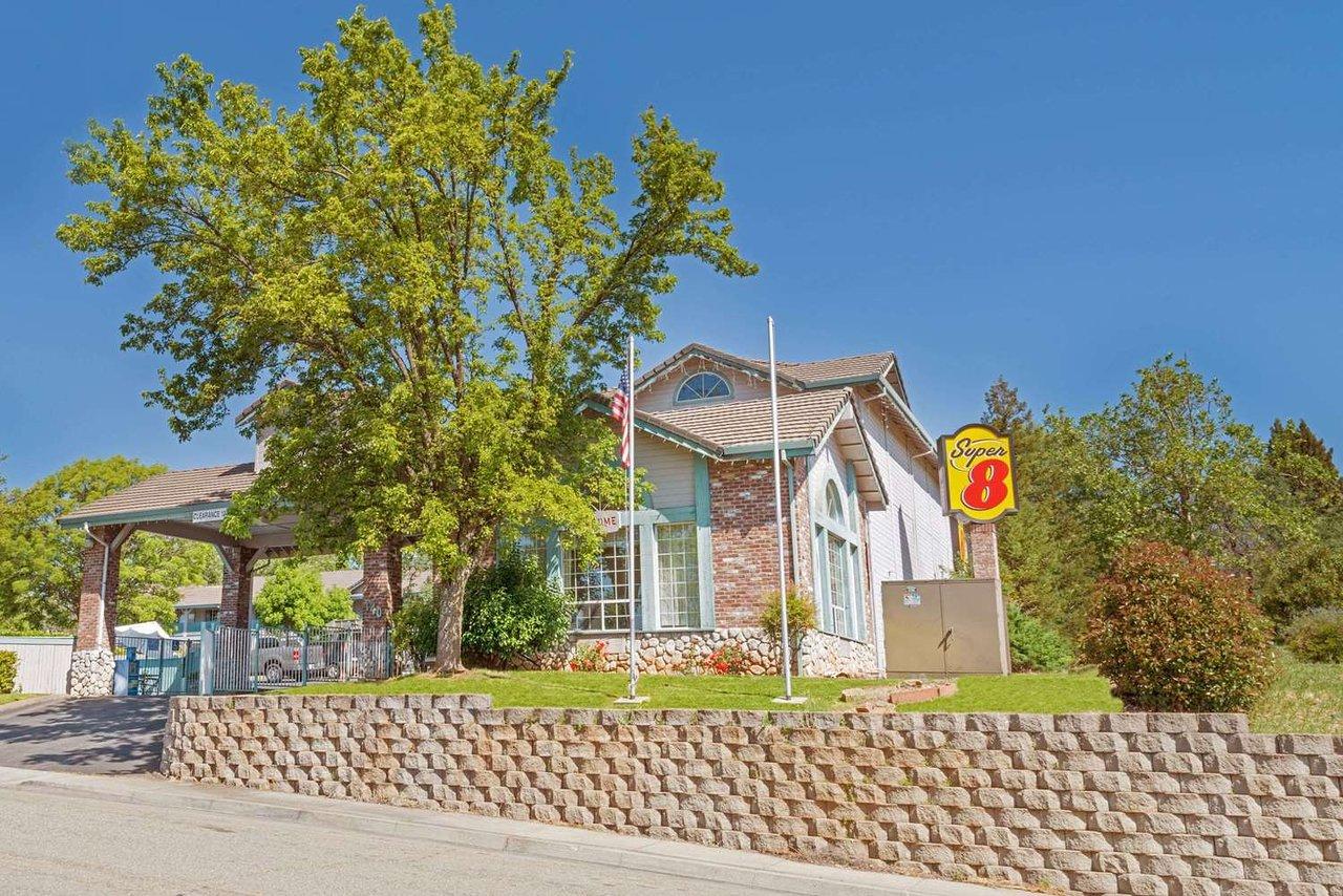 Super 8 By Wyndham Auburn 73 2 Prices Motel Reviews Ca Tripadvisor
