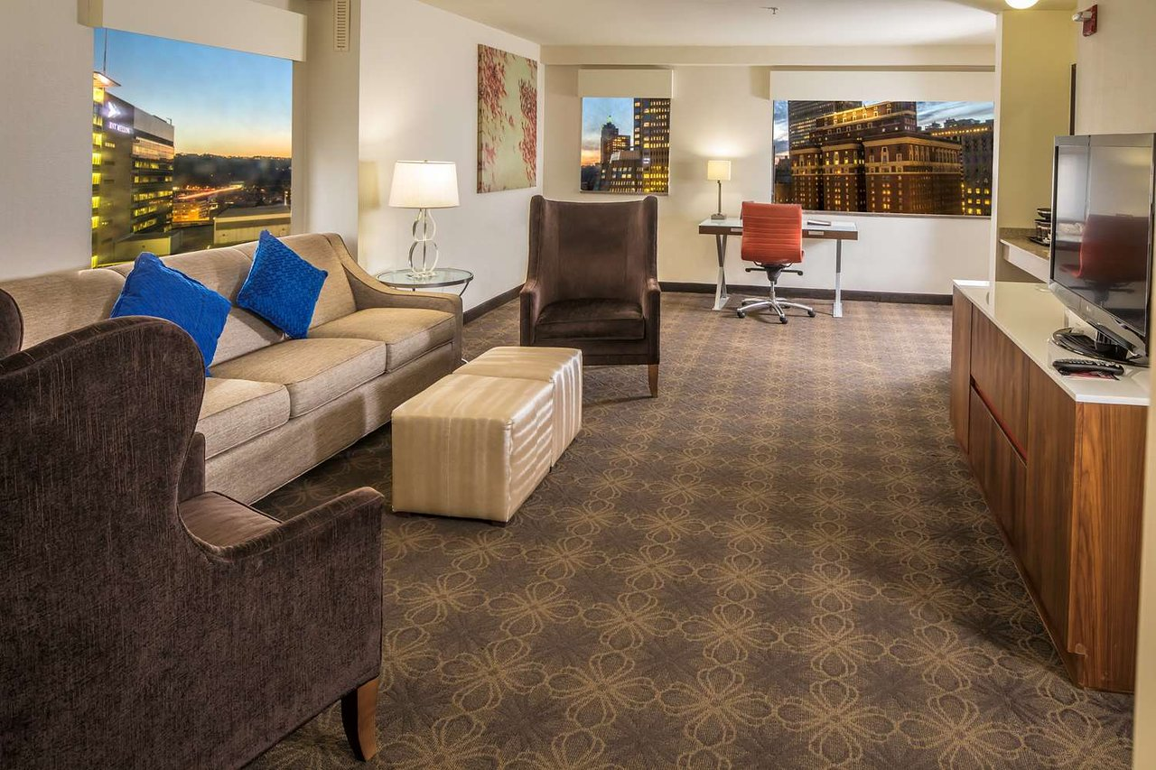 DOUBLETREE BY HILTON HOTEL & SUITES PITTSBURGH DOWNTOWN - Updated ...