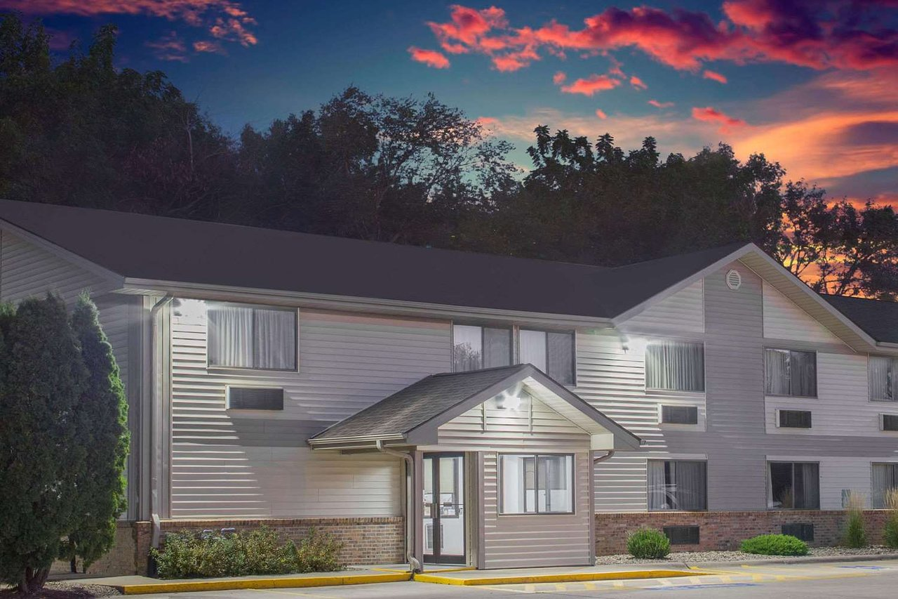 Super 8 By Wyndham Independence Updated 2018 Prices Hotel Reviews Iowa Tripadvisor