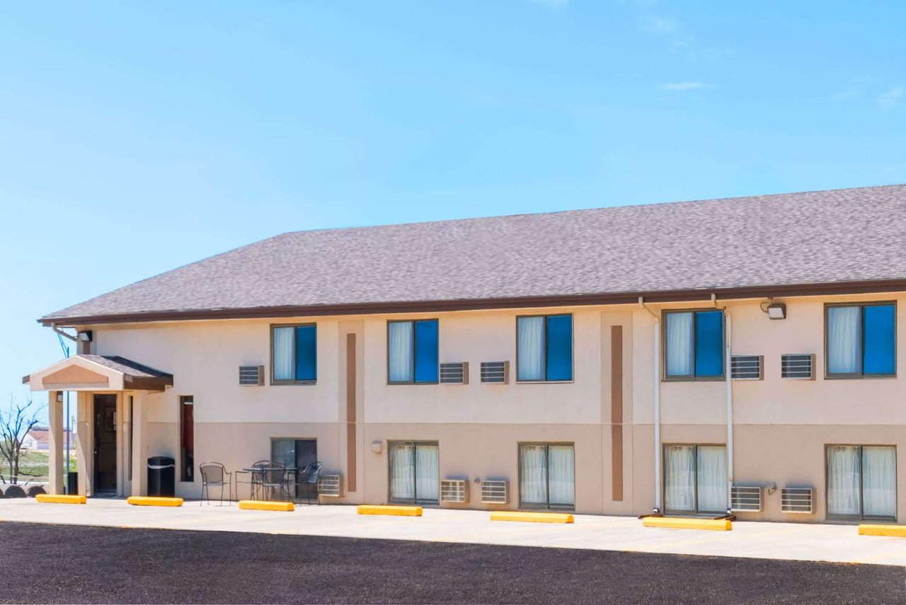Super 8 By Wyndham Bowman 58 6 5 Updated 2018 Prices Motel Reviews Nd Tripadvisor