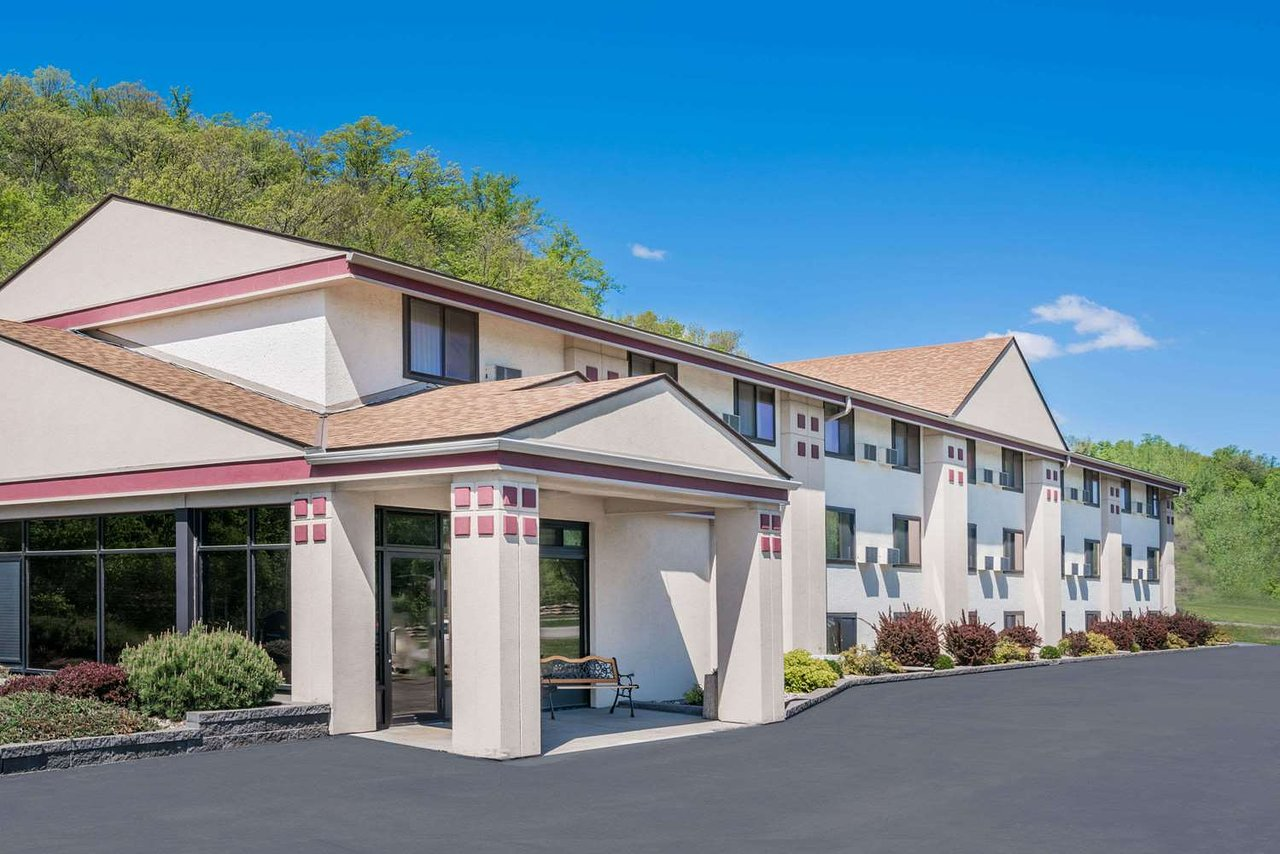 super 8 by wyndham mankato 55 6 1 updated 2019 prices rh tripadvisor com