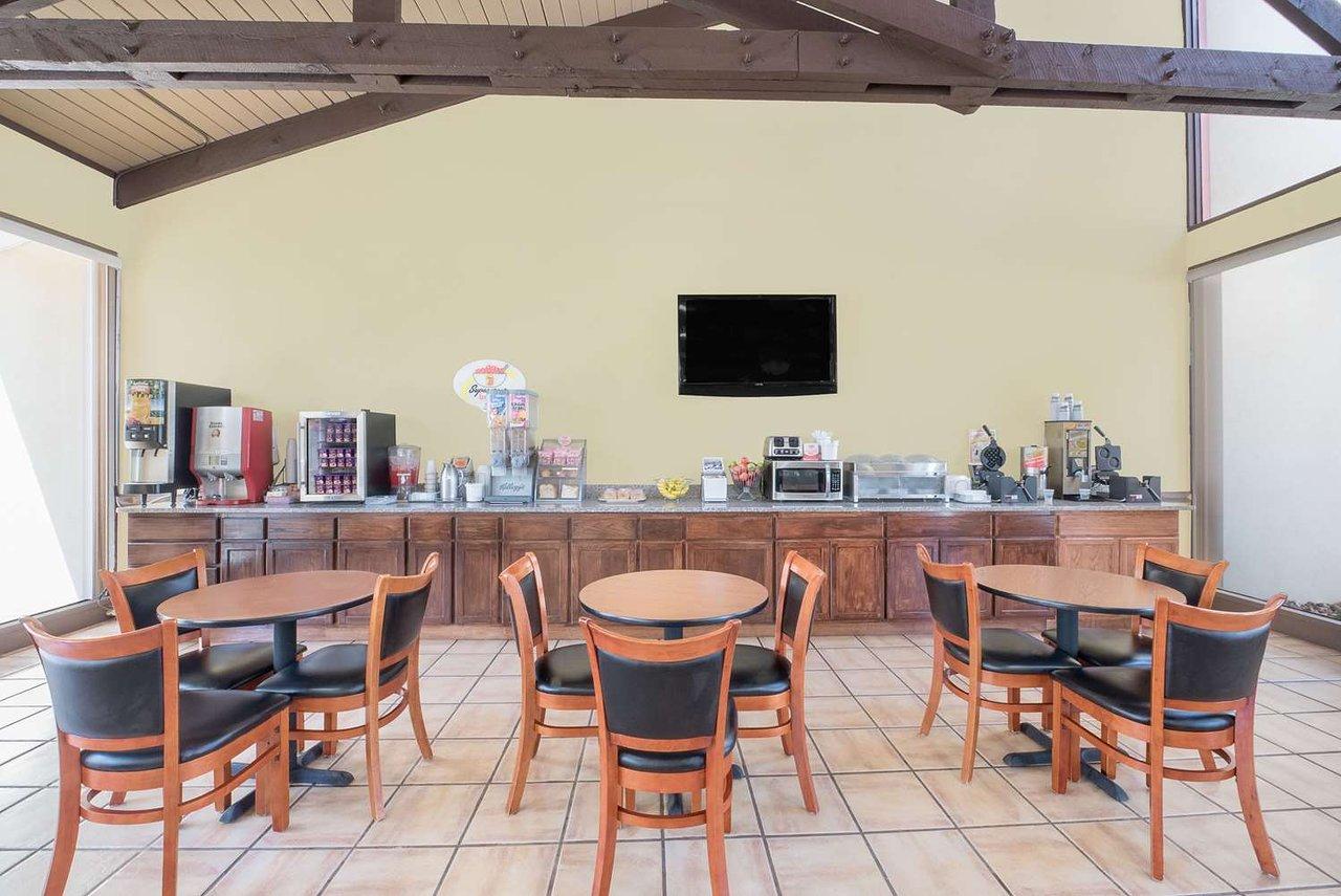Super 8 by wyndham kerrville tx 51 ̶5̶9̶ updated 2019 prices hotel reviews tripadvisor