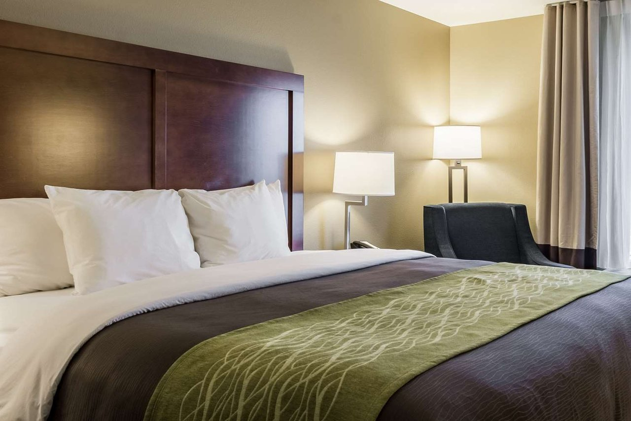 Comfort Inn Suites 84 1 0 2 Updated 2019 Prices Hotel