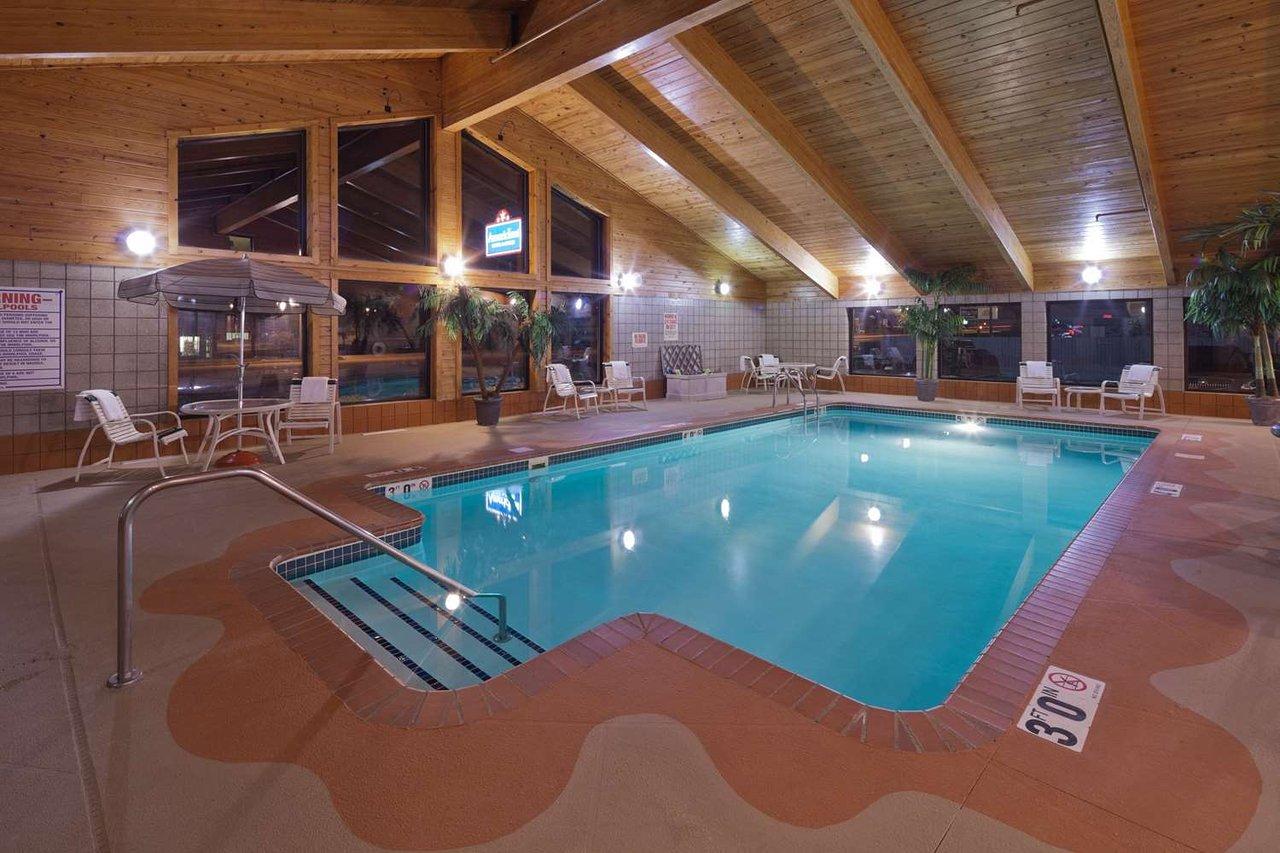 Americinn By Wyndham Hartford Wi 76 8 Updated 2018 Prices Hotel Reviews Tripadvisor