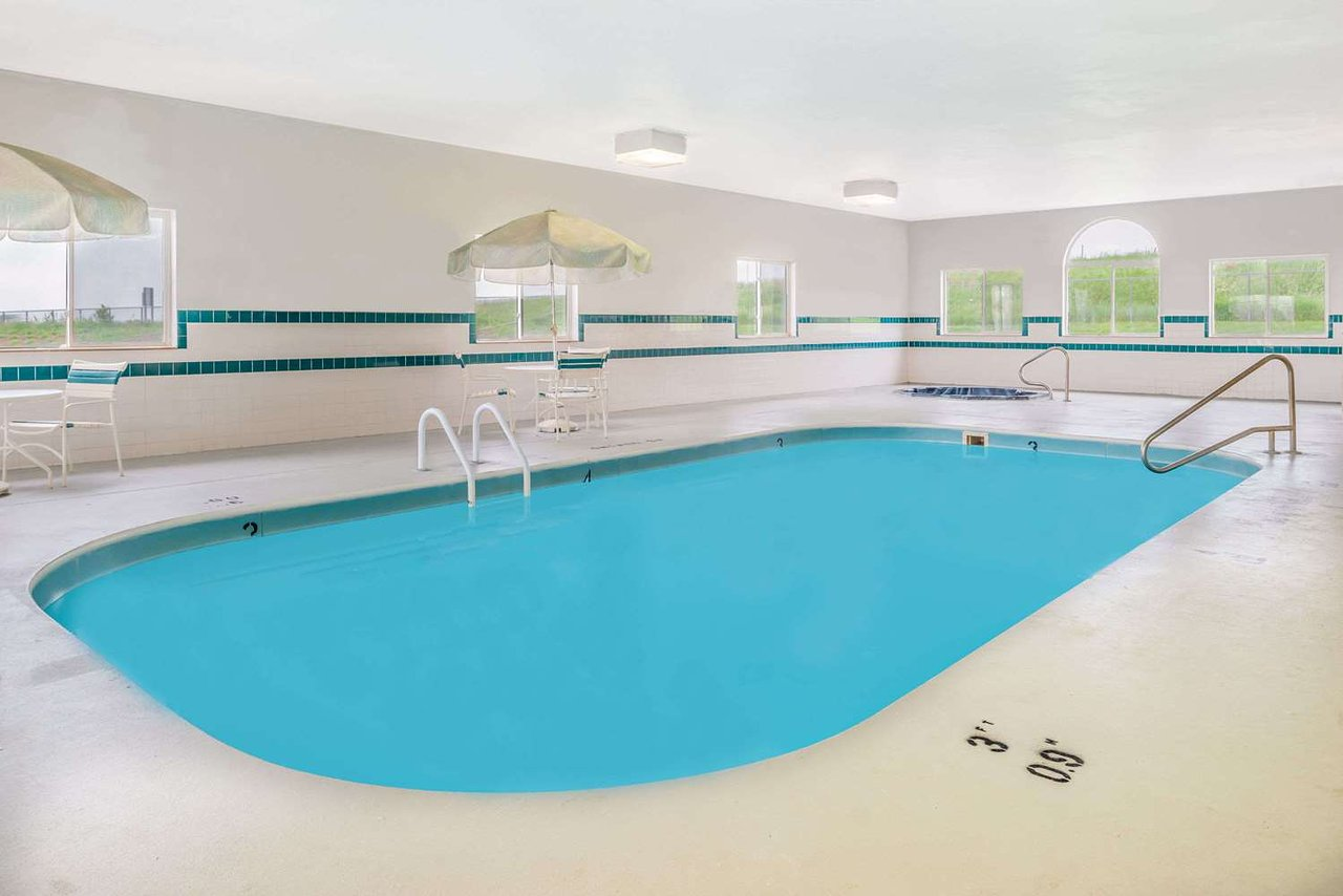 Super 8 By Wyndham Gretna 55 6 4 Prices Motel Reviews Ne Tripadvisor