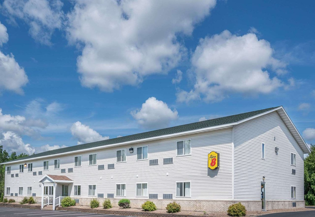 Super 8 By Wyndham Phillips 76 6 Updated 2018 Prices Hotel Reviews Wi Tripadvisor