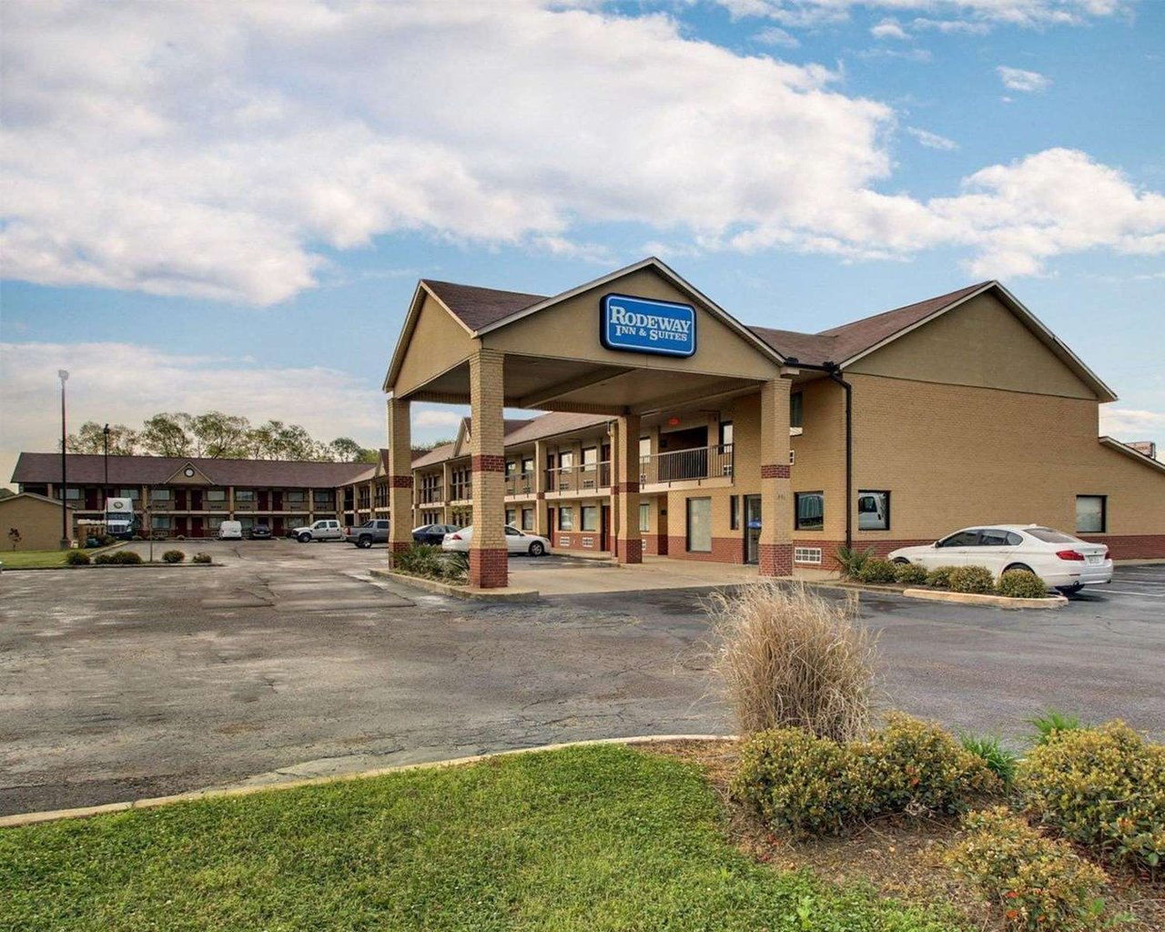 RODEWAY INN & SUITES - Updated 2018 Prices & Hotel Reviews (Richland ...