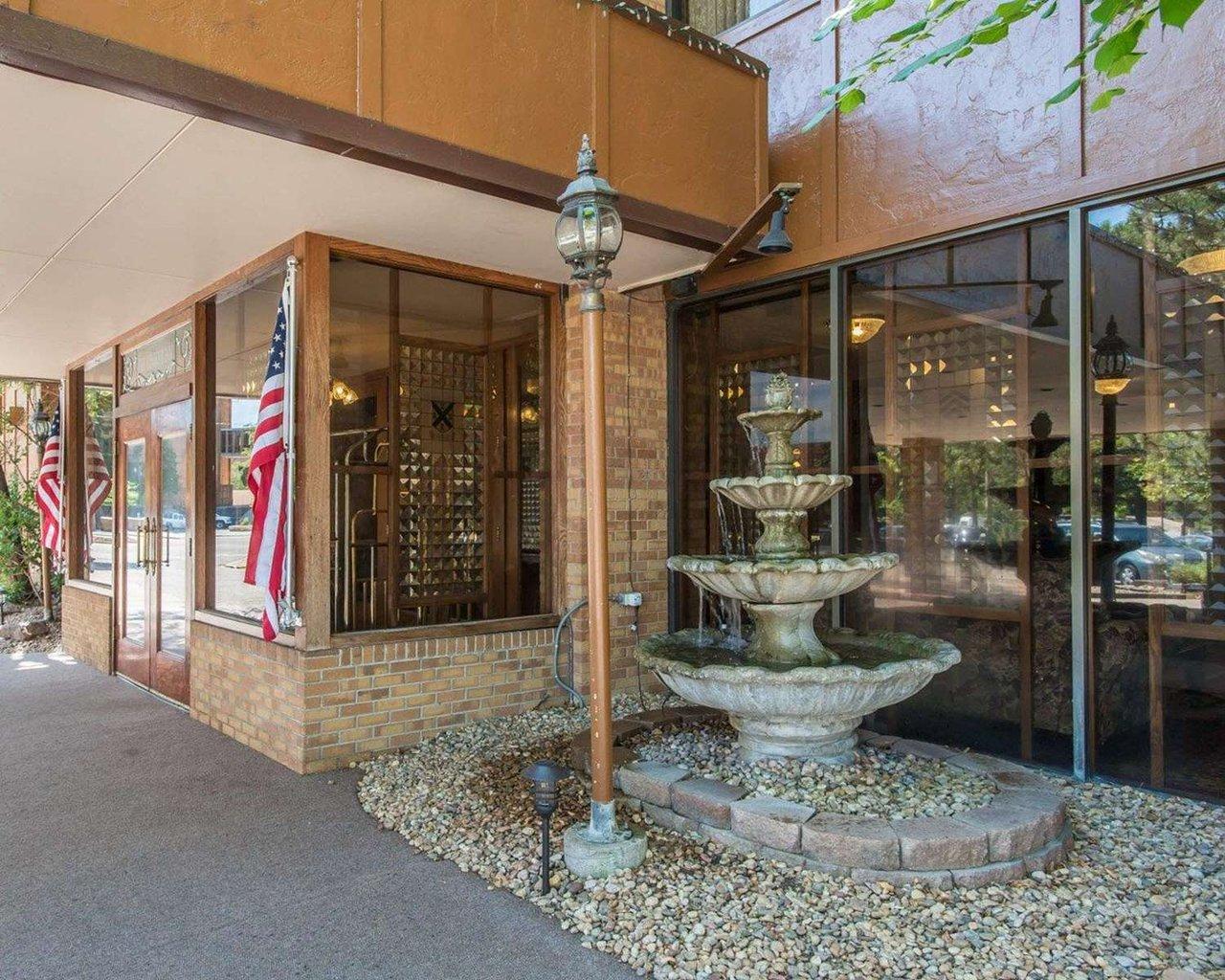 rodeway inn suites at the boulder broker c 9 7 c 80 updated rh tripadvisor ca