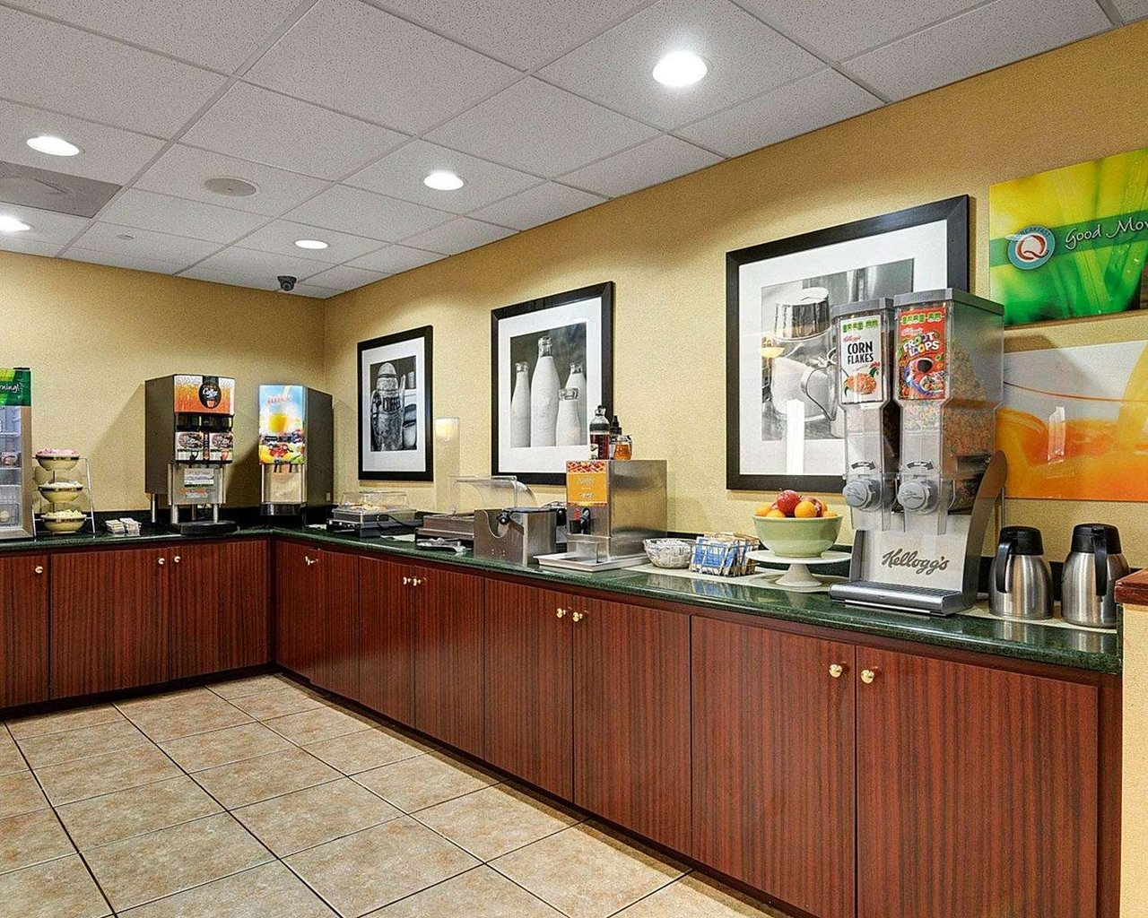 QUALITY INN & SUITES LITTLE ROCK - Updated 2018 Prices & Hotel ...