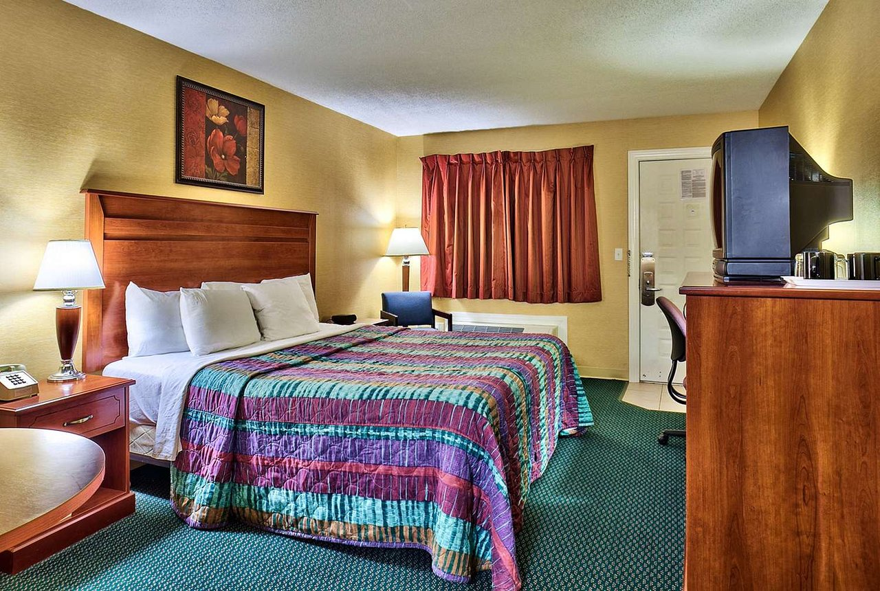 Econo Lodge Maine Mall 54 9 0 Updated 2019 Prices Motel