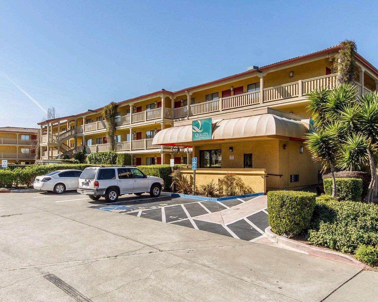 Quality Inn Oakland Hotel