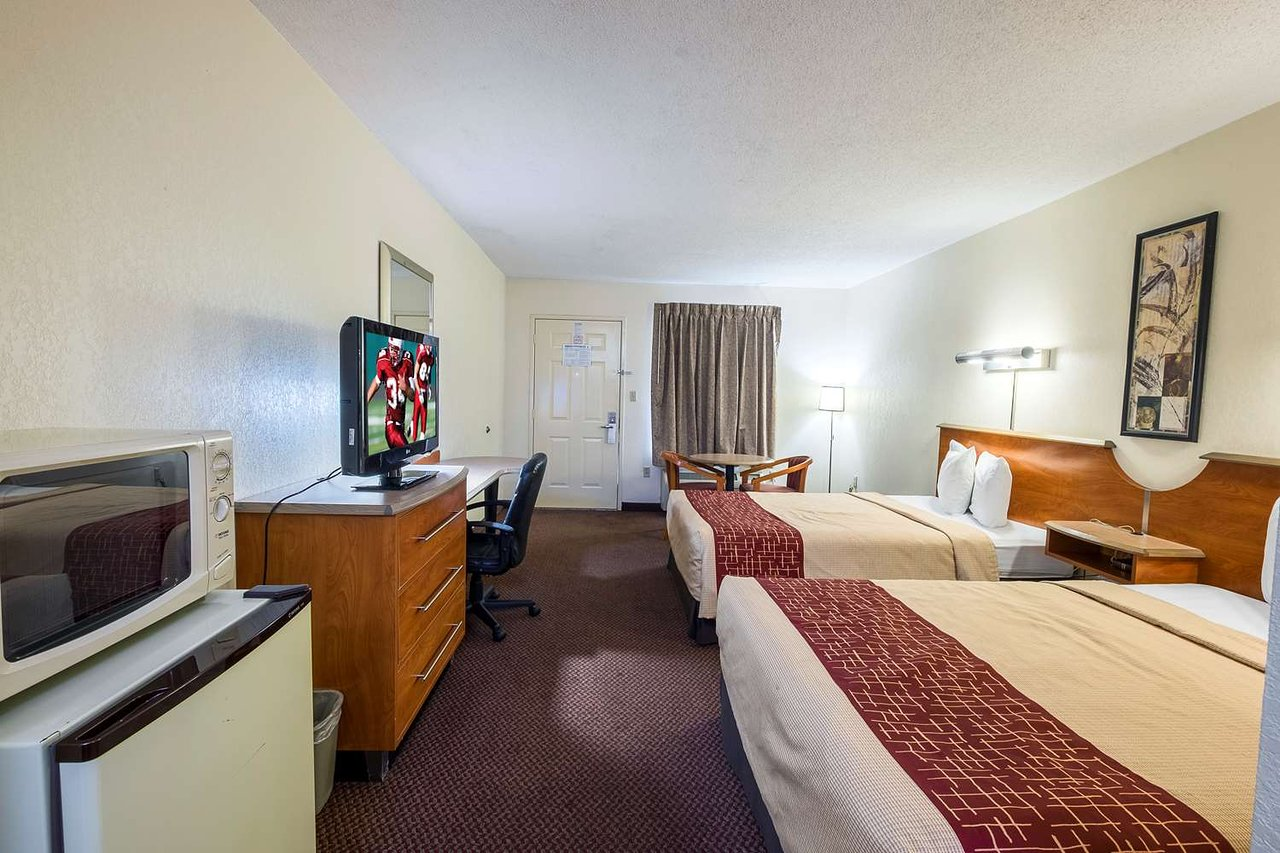 red roof inn clarksville 64 7 4 updated 2019 prices hotel rh tripadvisor com