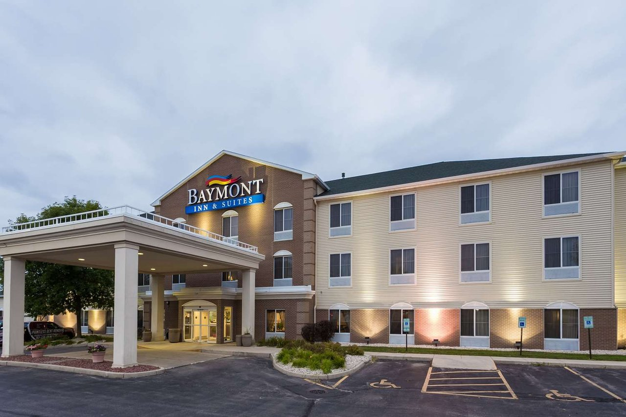 Baymont By Wyndham Waterford Burlington Wi 67 7 9 Updated 2018 Prices Hotel Reviews Tripadvisor