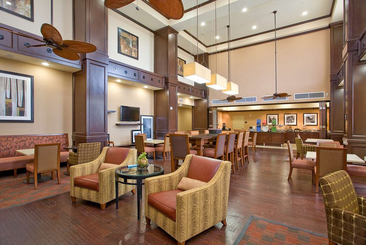 HAMPTON INN & SUITES NEW BRAUNFELS - Updated 2018 Prices & Hotel ...