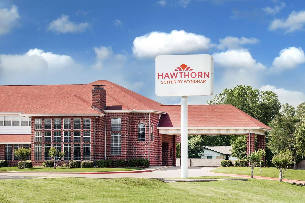 HAWTHORN SUITES BY WYNDHAM IRVING DFW SOUTH $106 ($̶1̶2̶5̶