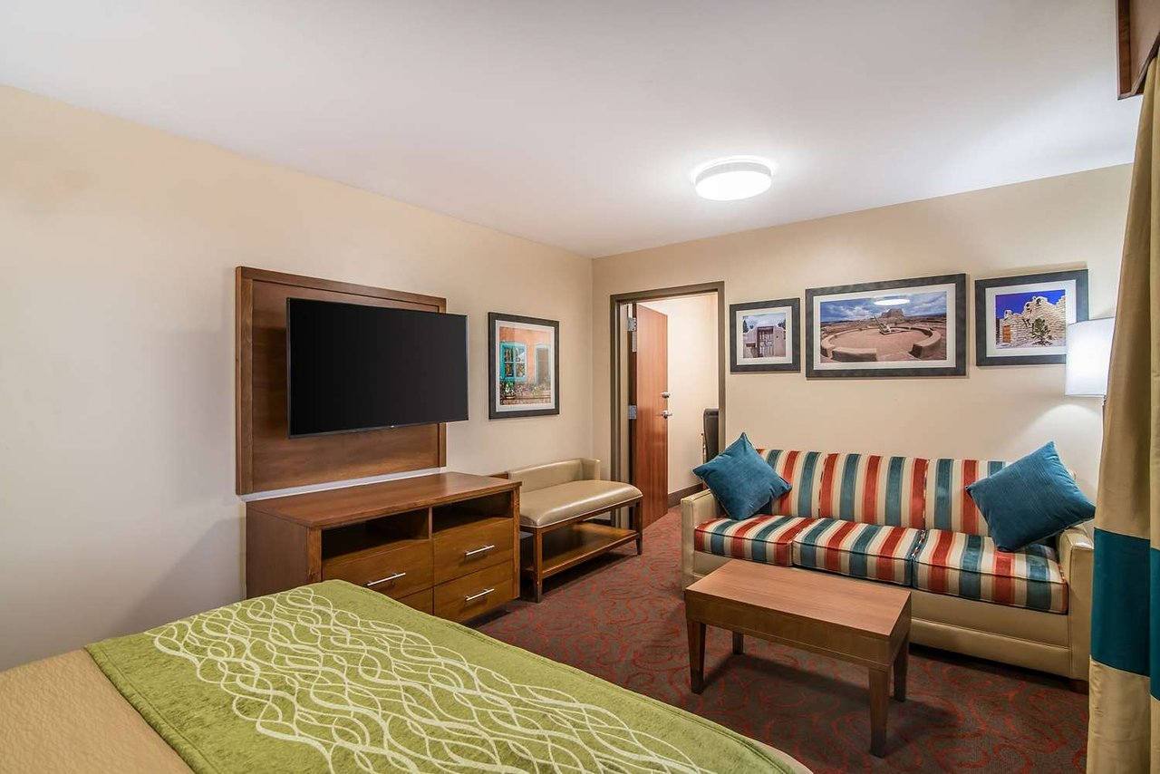 COMFORT INN & SUITES $94 ($̶1̶1̶4̶) - Updated 2019 Prices