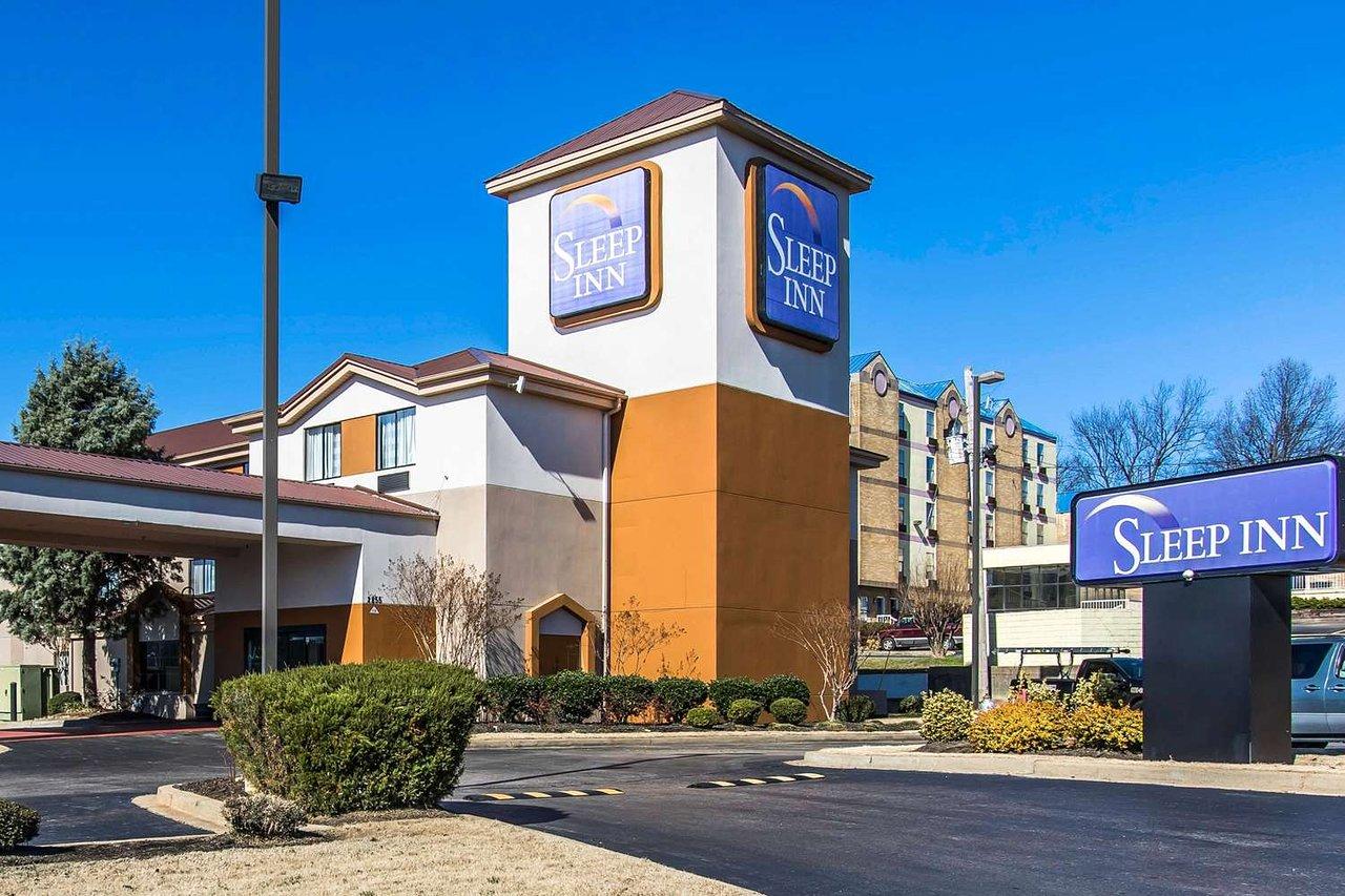 Riley hotel Raven in
