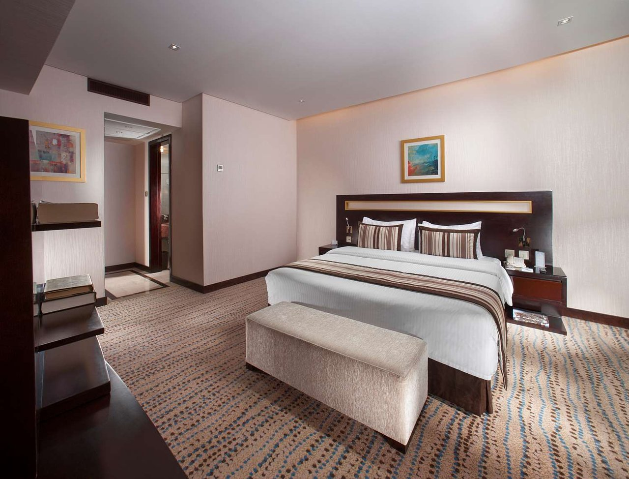 Golden Tulip Bahrain 114 133 Updated 2018 Prices Hotel Voucher Royal Reviews Manama Tripadvisor