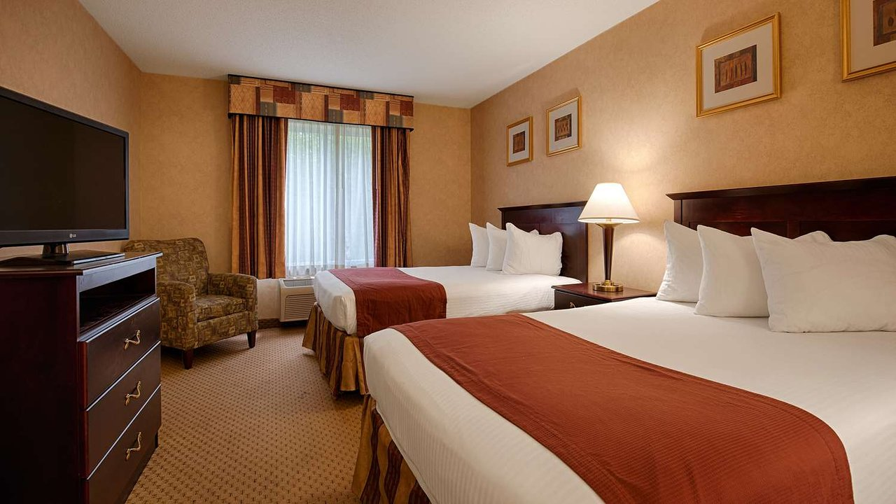 the 10 closest hotels to university of massachusetts dartmouth rh tripadvisor com