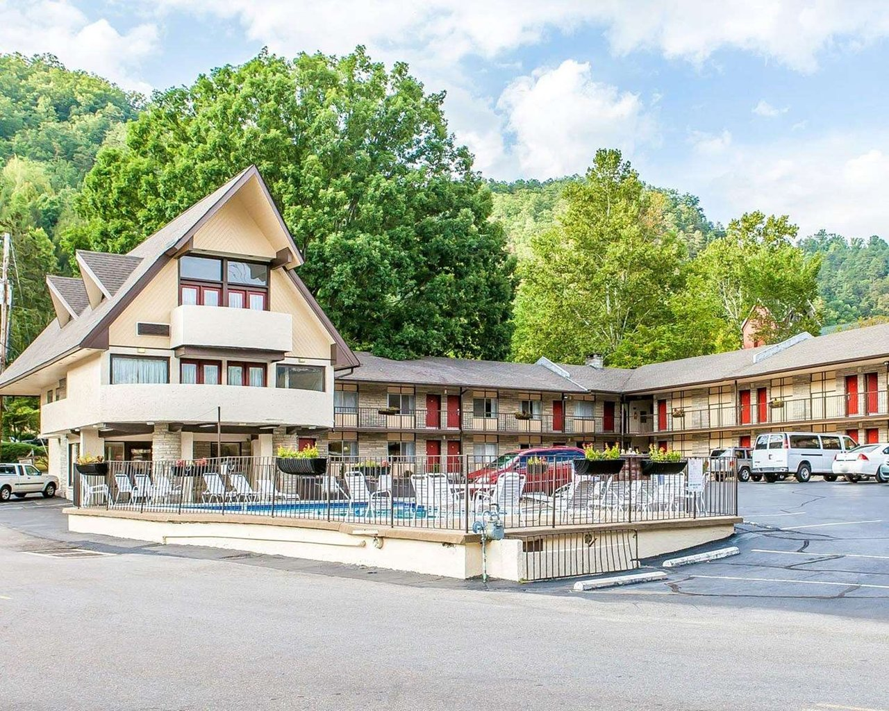 econo lodge inn suites on the river 71 1 1 0 updated 2019 rh tripadvisor com hotels in gatlinburg tn with a view