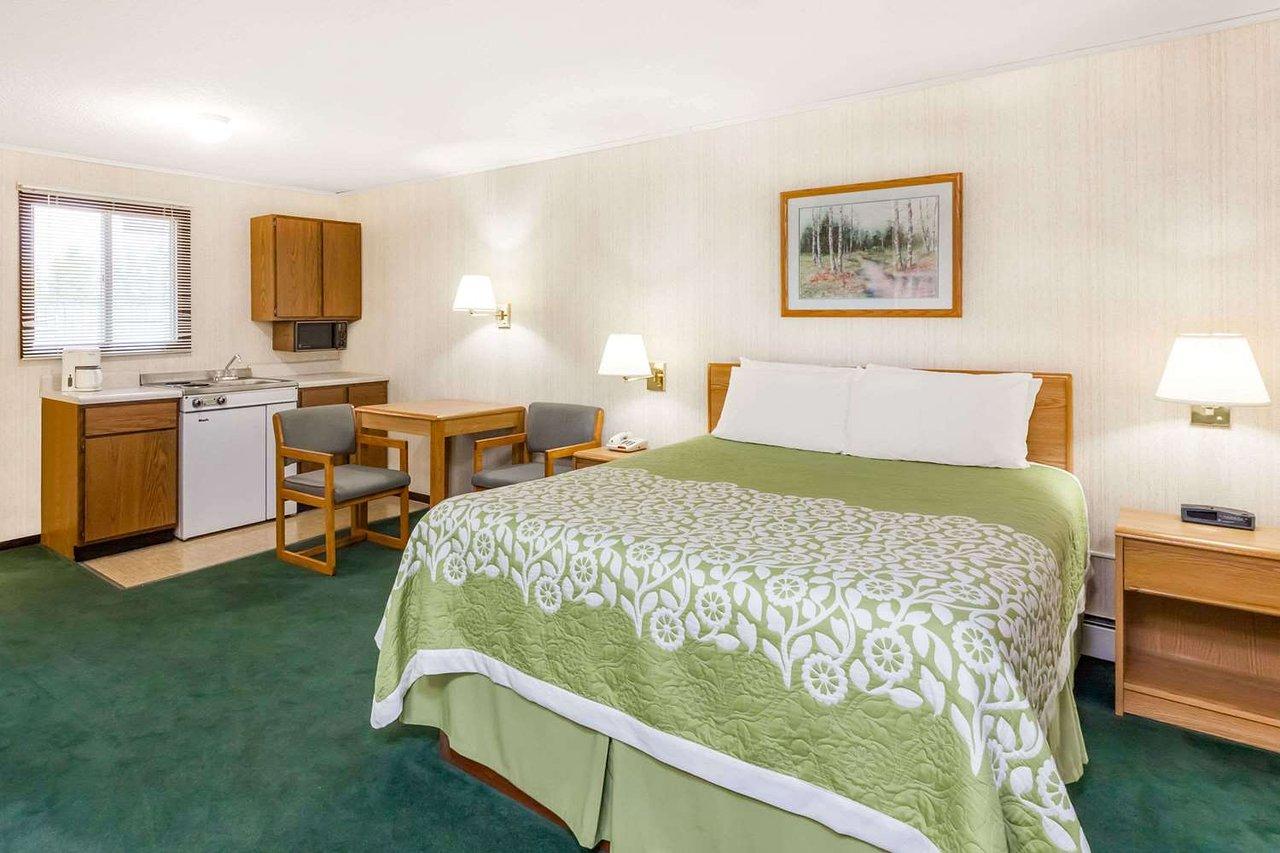 days inn by wyndham alpena 106 1 1 5 updated 2019 prices rh tripadvisor com