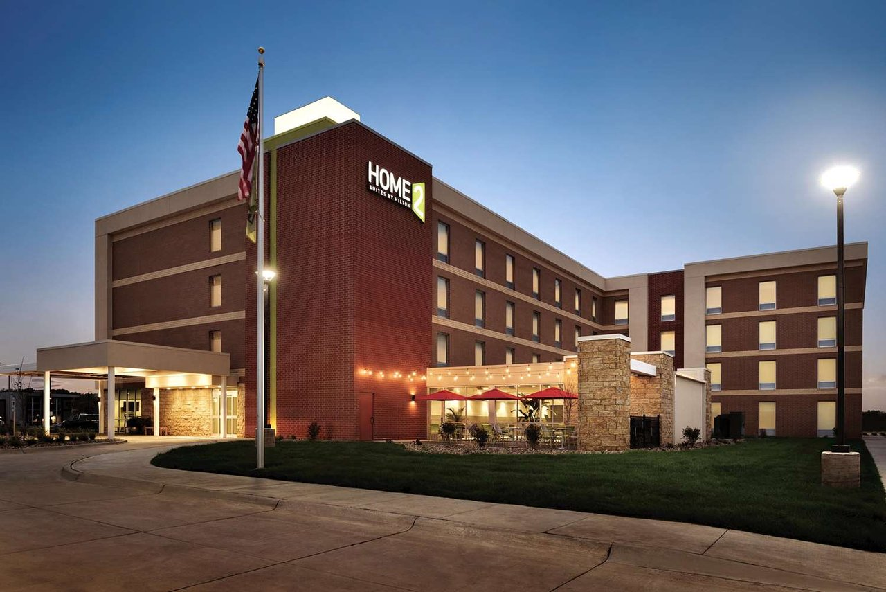 HOME2 SUITES BY HILTON IOWA CITY CORALVILLE - UPDATED 2018 Hotel ...