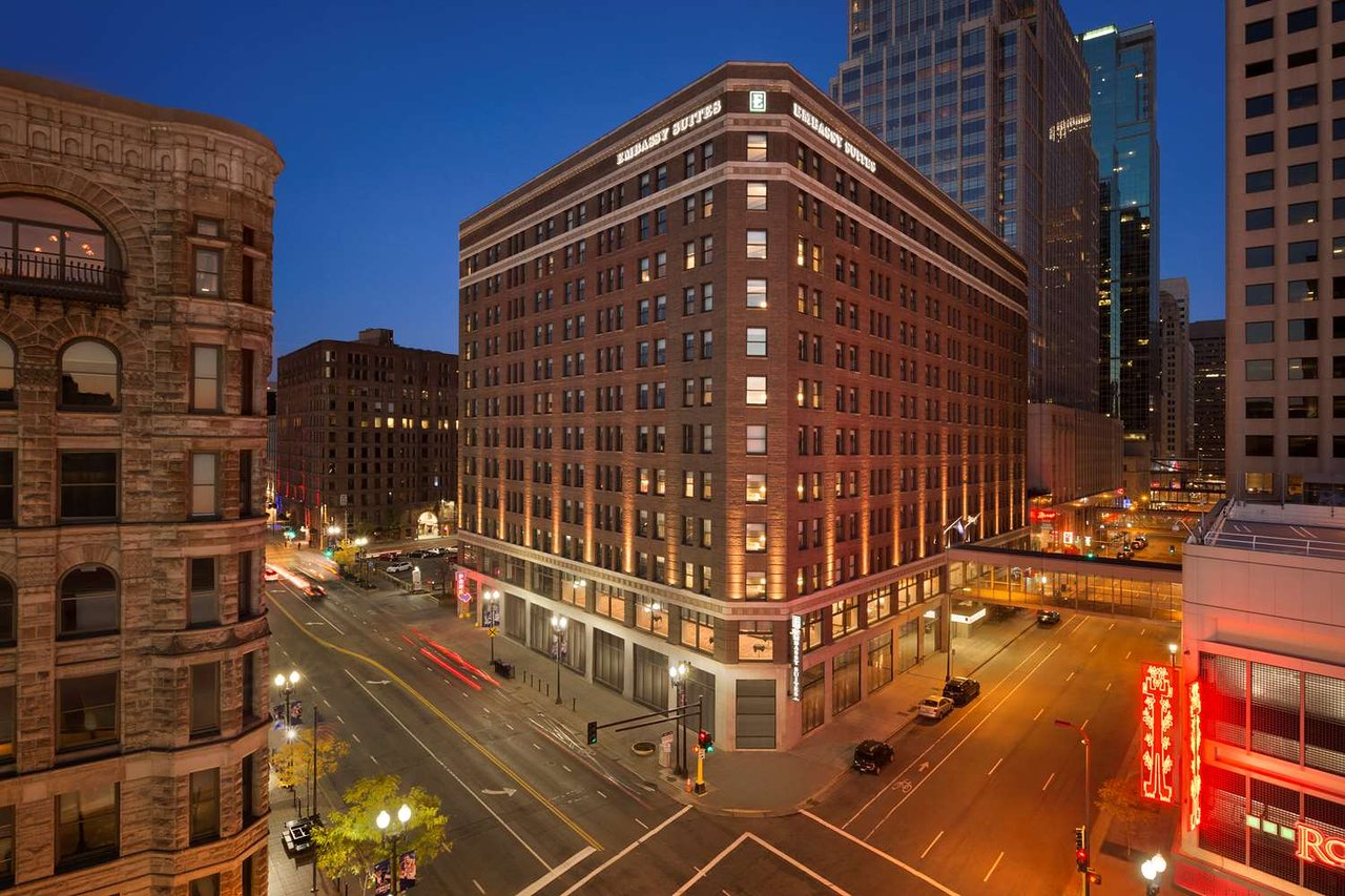 Embassy Suites by Hilton Minneapolis Downtown - UPDATED 2018 Prices ...