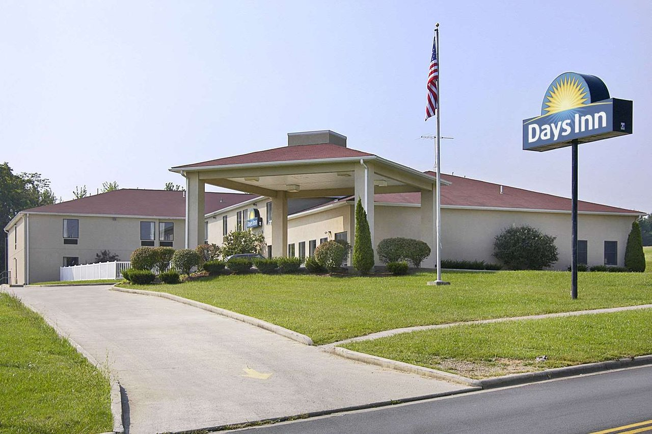 Days Inn By Wyndham Hillsboro 76 9 0 Updated 2018 Prices Motel Reviews Ohio Tripadvisor