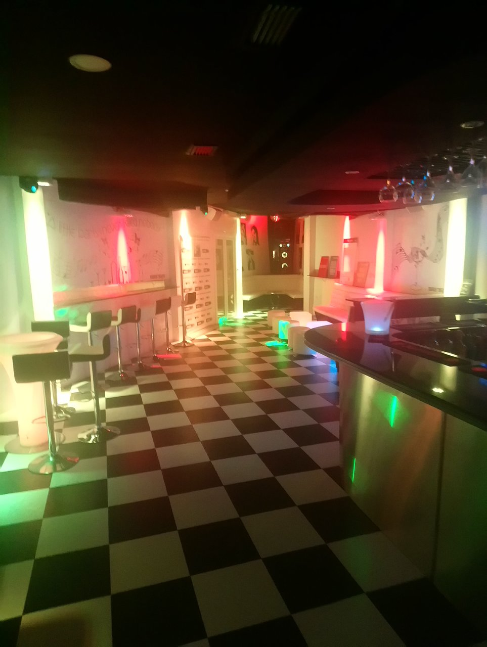 Black And White Lounge Nerja Address Phone Number Reviews 4 5