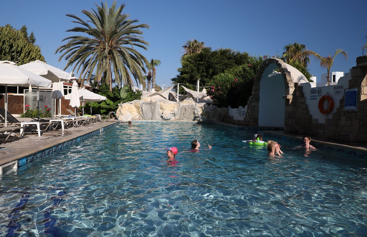Hotel Dionysos Central 3 (Cyprus, Paphos): location and infrastructure of the hotel, room description, service, reviews 94