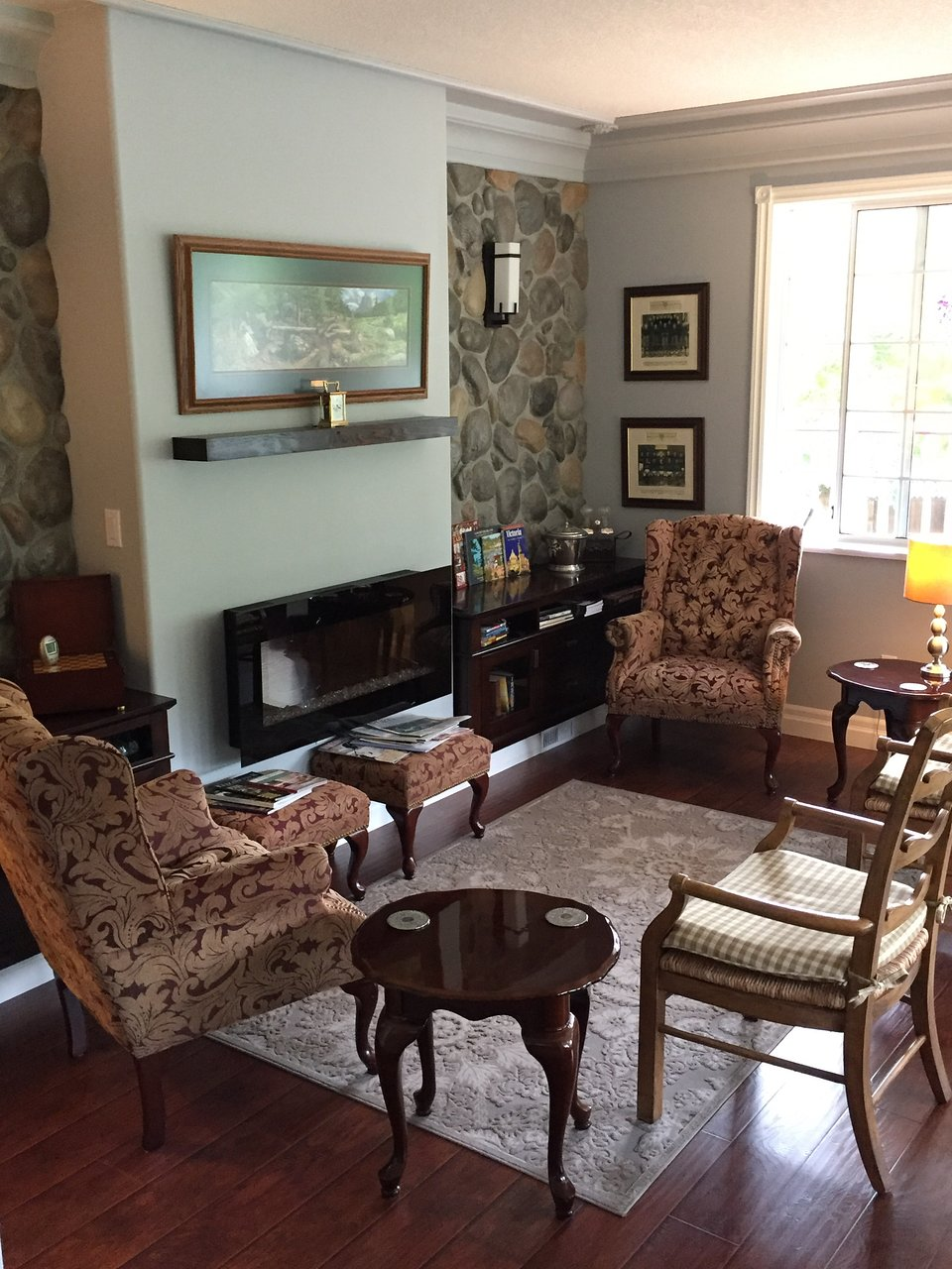 HAWLEY PLACE BED AND BREAKFAST 124 136