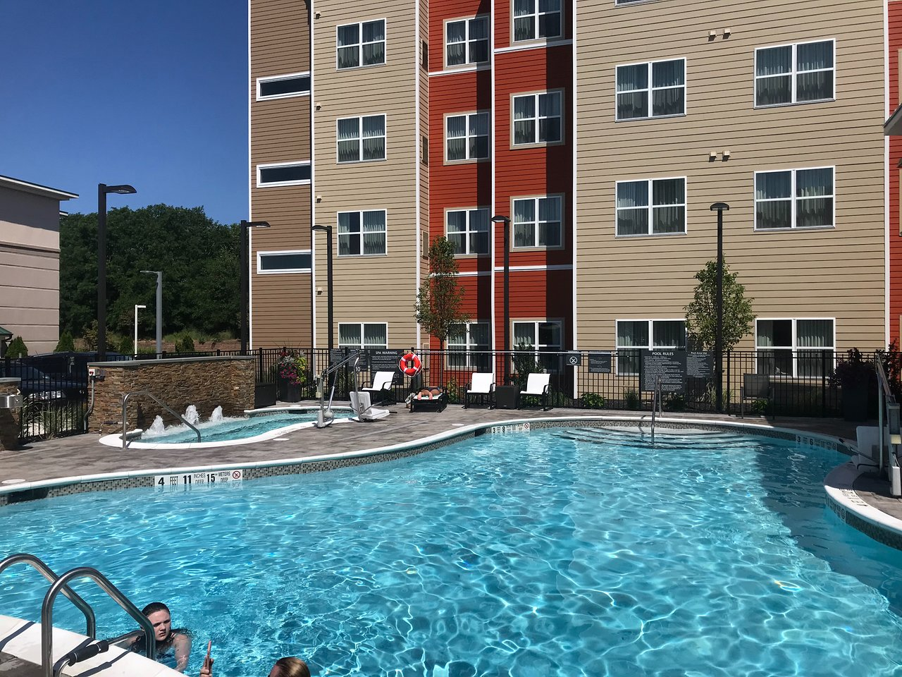 RESIDENCE INN LONG ISLAND EAST END - Updated 2018 Prices & Hotel ...