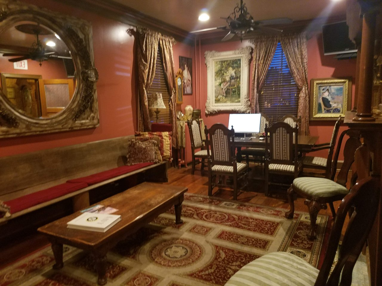 ACADEMY BED AND BREAKFAST - Updated 2018 Prices & B&B Reviews ...
