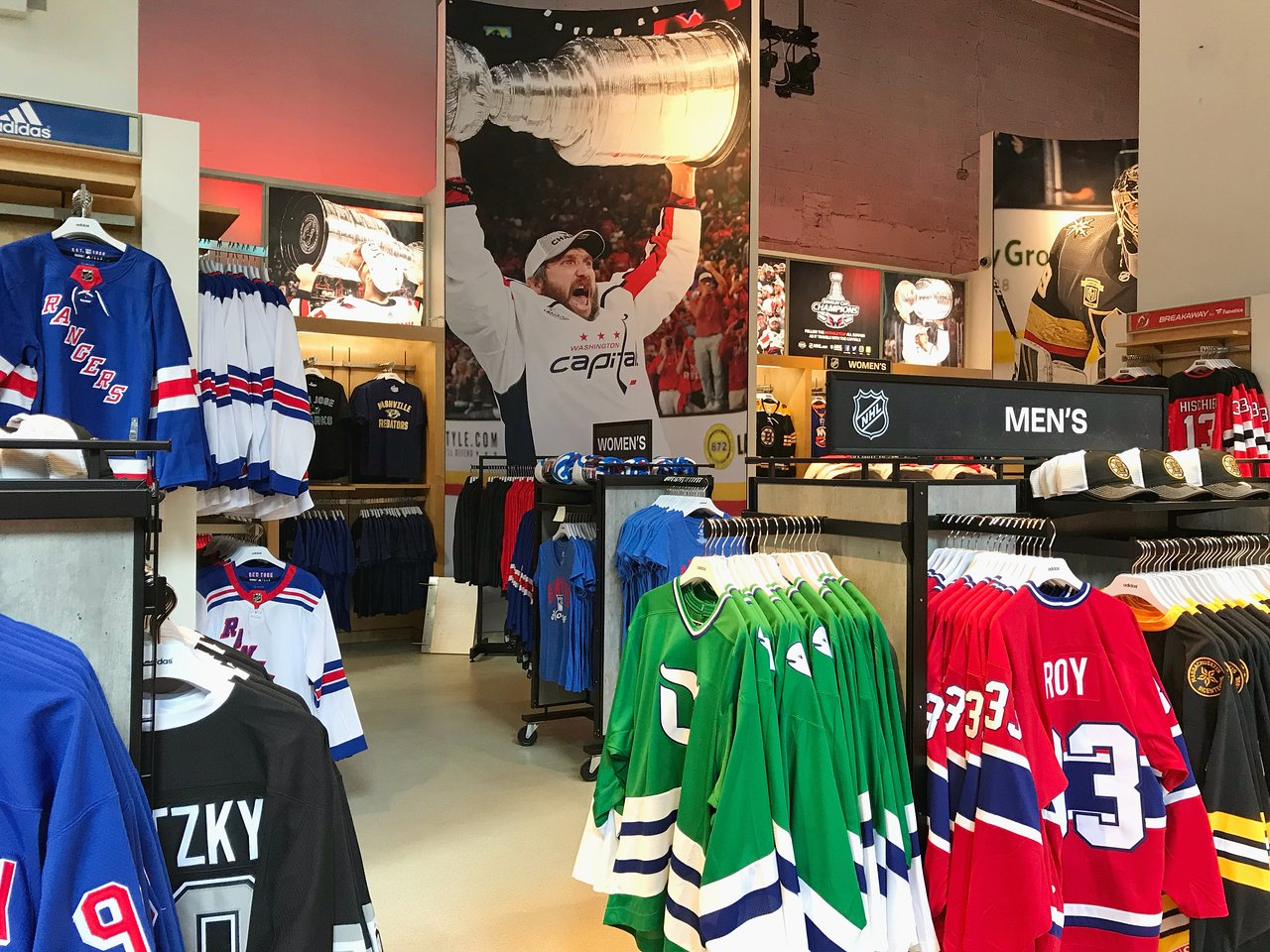 stores that sell nhl jerseys