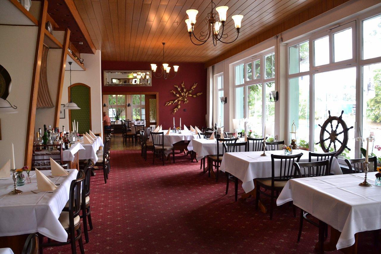 Schroeder S Schoene Aussicht Hotel Restaurant Cafe 80 8 9