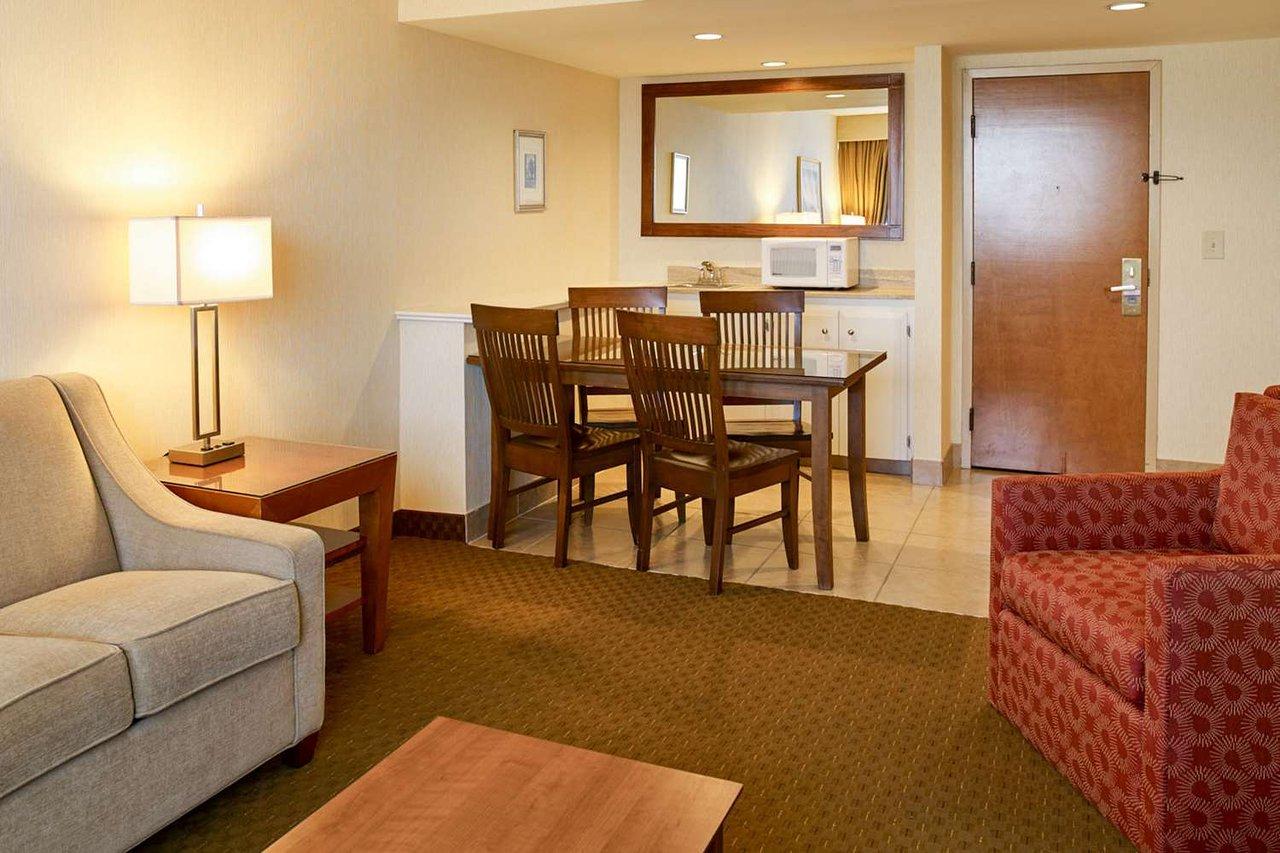 CLARION HOTEL AIRPORT $105 ($̶1̶4̶9̶) - Updated 2019 Prices