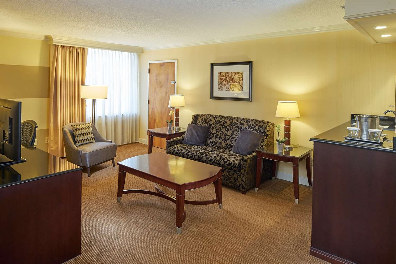 HILTON RALEIGH NORTH HILLS - Updated 2018 Prices & Hotel Reviews (NC ...