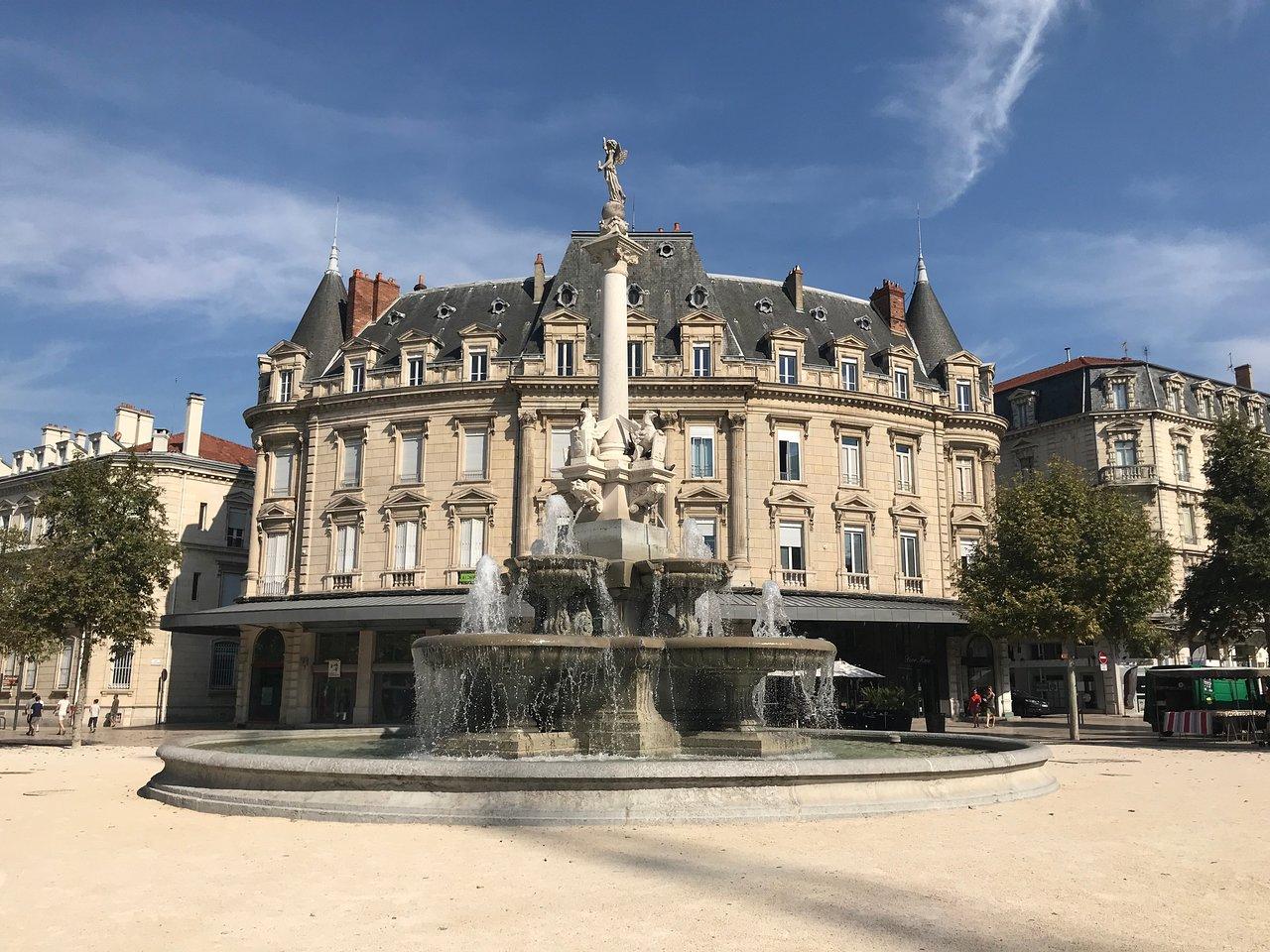 Fontaine Monumentale (Valence) : 2020 Ce qu'il faut savoir pour votre visite - Tripadvisor