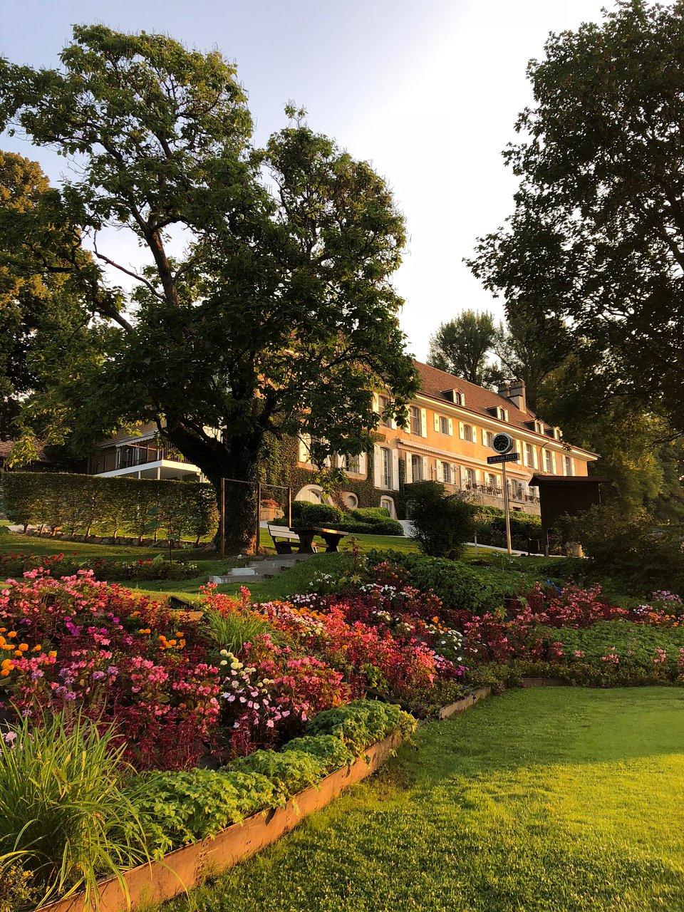 CHATEAU DE BONMONT - Prices & Hotel Reviews (Cheserex, Switzerland ...
