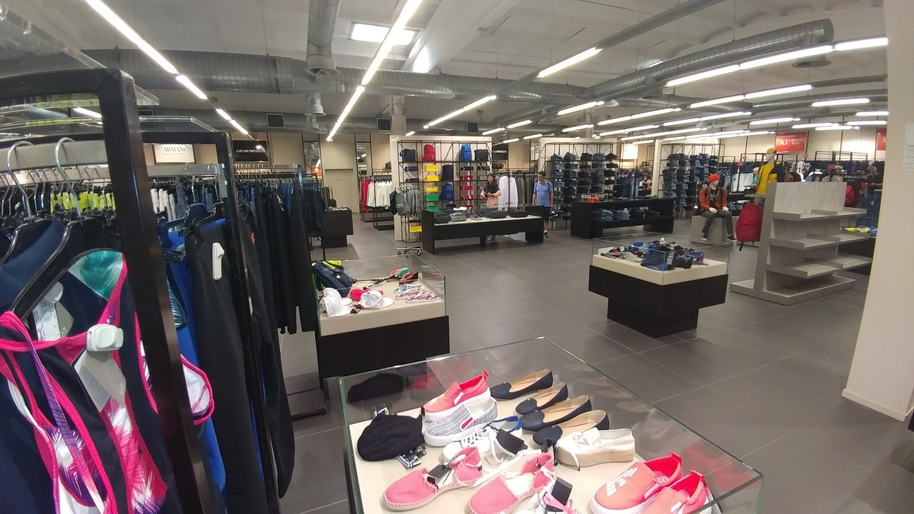 armani shoes outlet