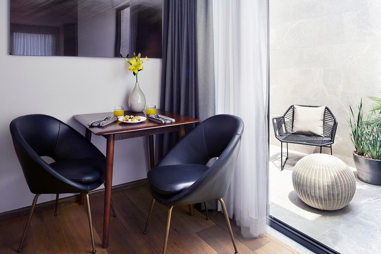 Best pris på OK Design Condesa Chair Stoler Sammenlign