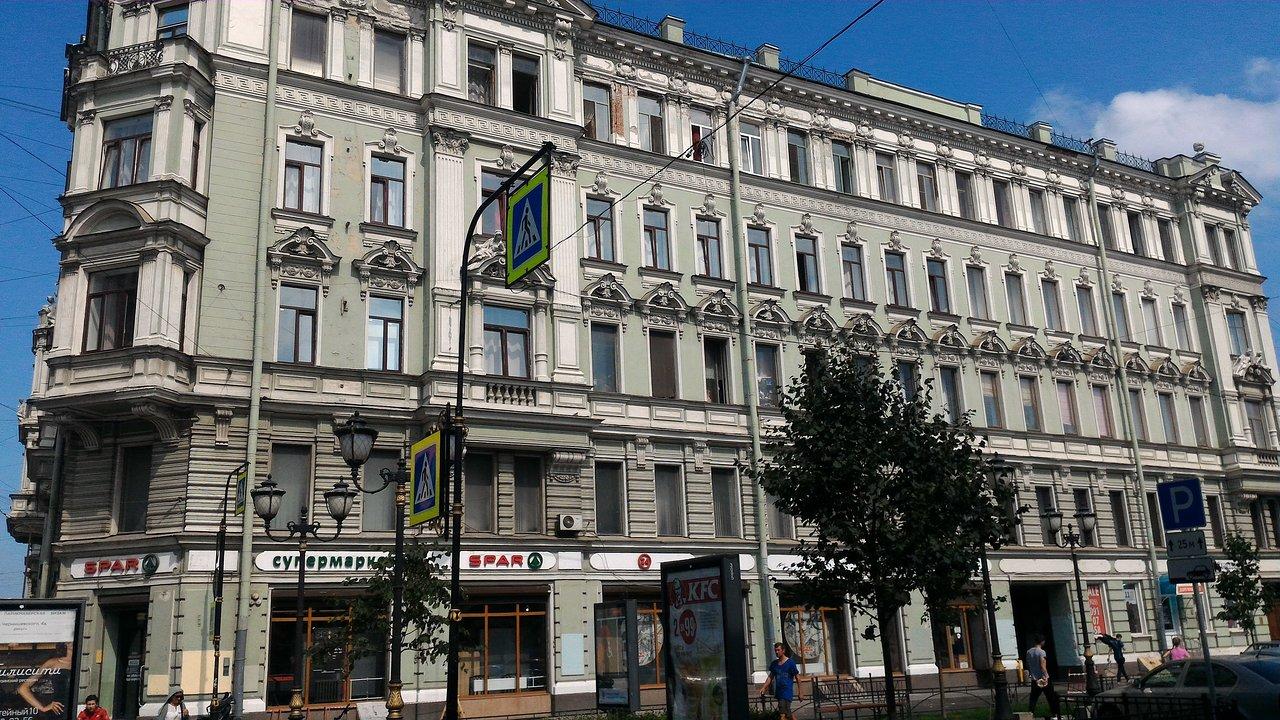 Hotels on Nevsky Prospekt in Saint-Petersburg: review, description, reviews