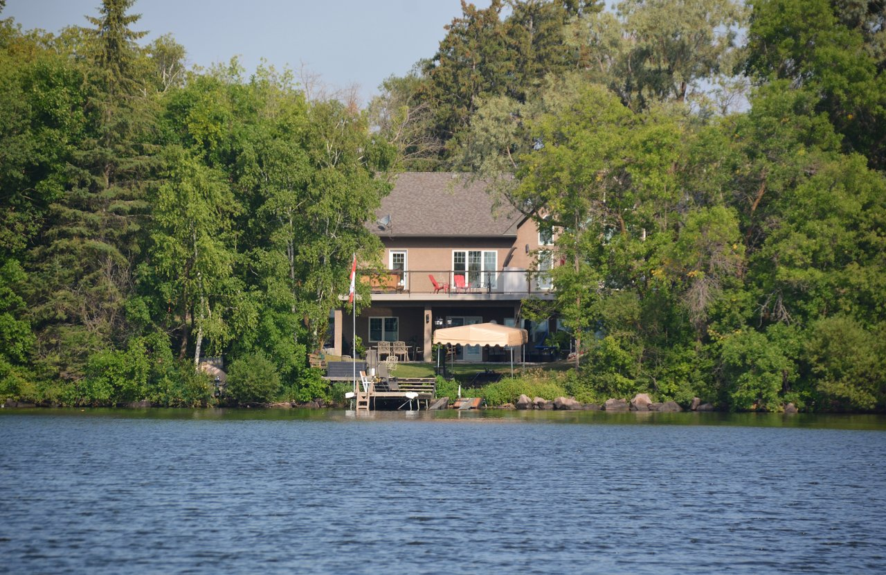 The 5 Closest Hotels To Blueberry Hill Trail Lac Du Bonnet Tripadvisor Find Hotels Near Blueberry Hill Trail