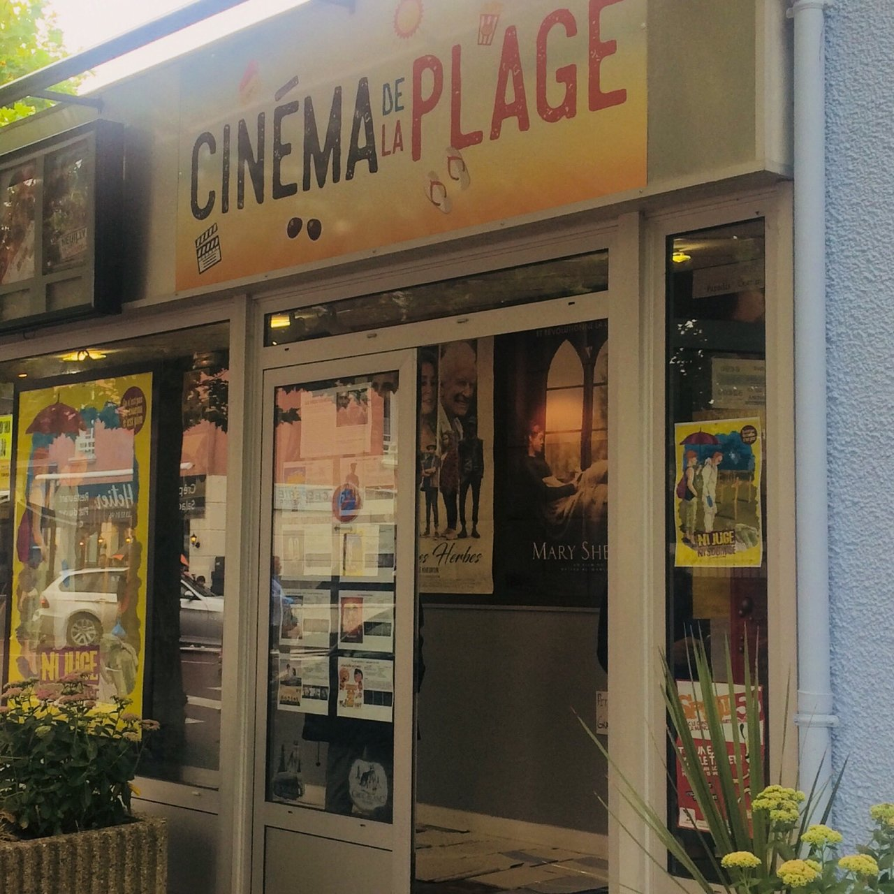 Cinema de la Plage (Barneville-Carteret) - 10 All You Need to