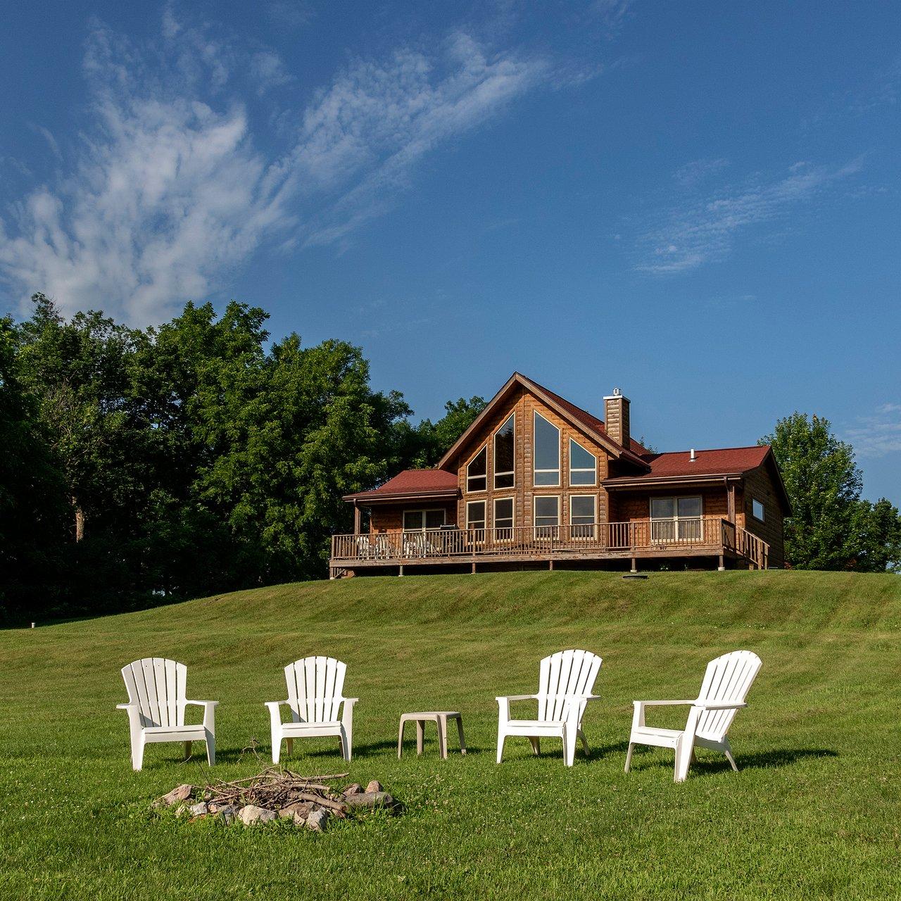 Red Cedar Lodge Prices Inn Reviews Charles City Iowa Tripadvisor