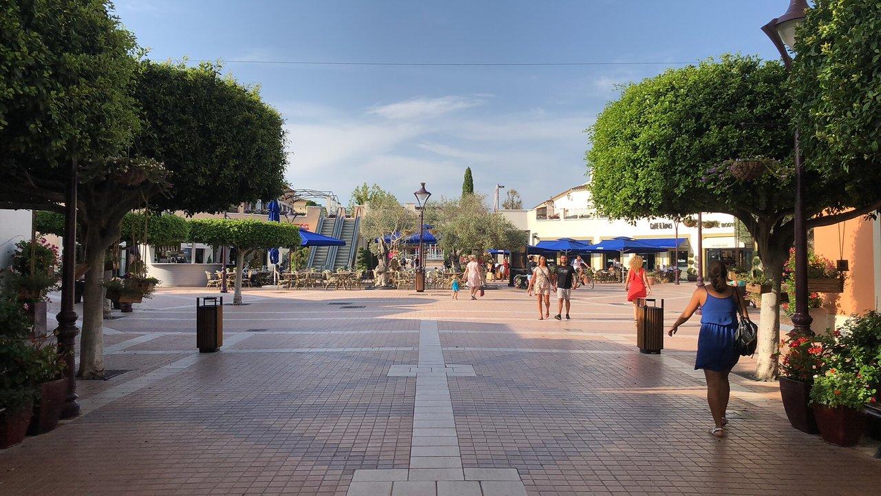 vitamina Pila de ordenar  Mallorca Fashion Outlet (Marratxi) - 2021 All You Need to Know BEFORE You  Go (with Photos) - Tripadvisor