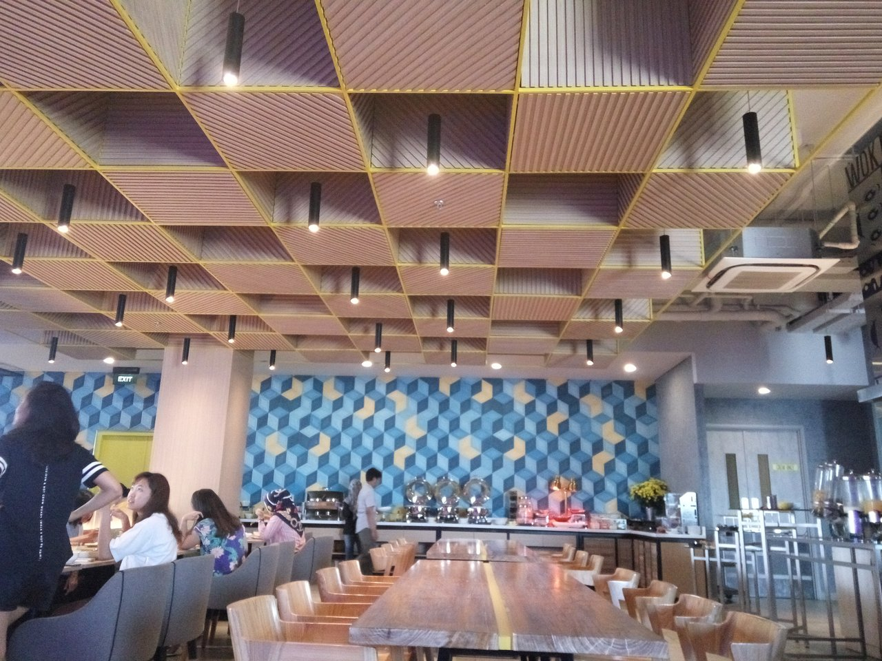 Yello Hotel Paskal Updated 2018 Reviews Price Comparison And 127 Voucher Value Indonesia Photos Bandung Tripadvisor