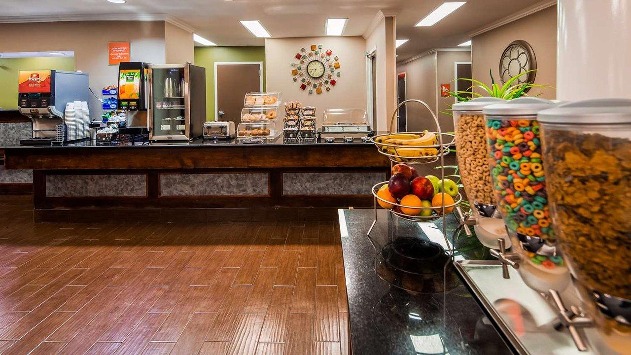 BEST WESTERN INN & SUITES (New Braunfels) - Hotel Reviews, Photos ...