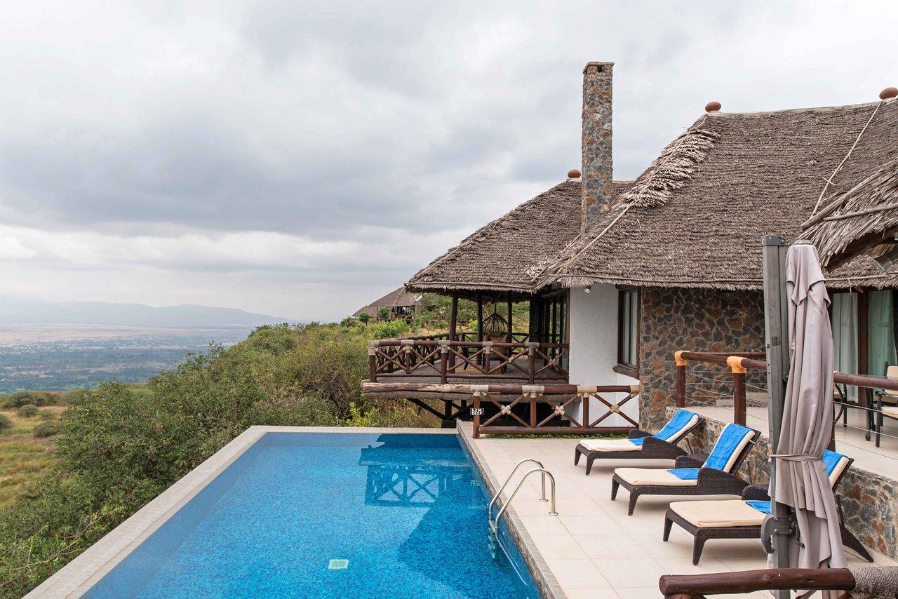 Resultado de imagem para Lake Manyara Kilimamoja Lodge